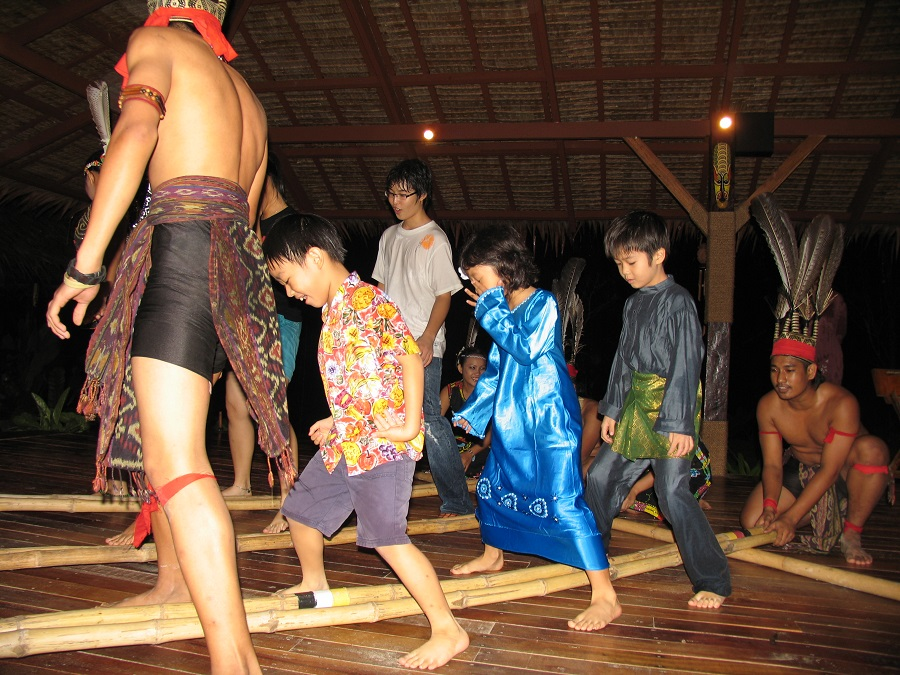 Bamboo Dance3